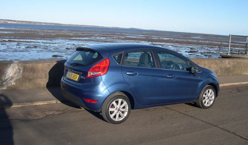 Ford Fiesta Zetec 1.2, 5 Door in Blue full