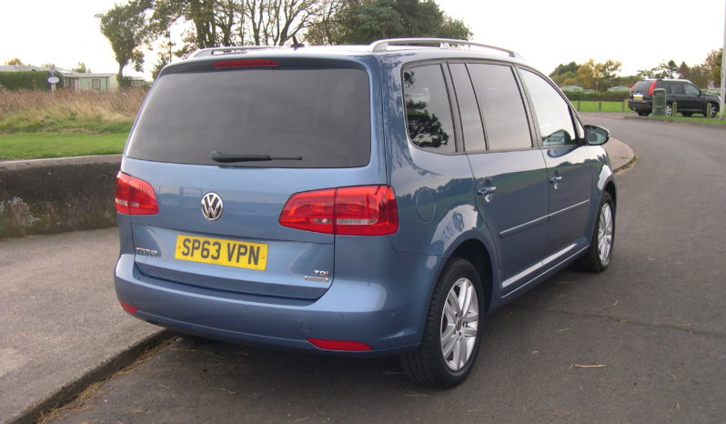 Volkswagen Touran 1.6 TDI BlueMotion SE in Blue full