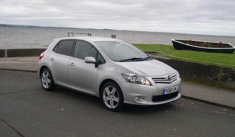 Toyota Auris SR Valvematic, 5Dr Hatchback in Silver full